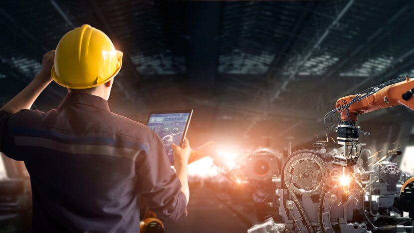 How Digital Disruption Impacts Manufacturing Industry