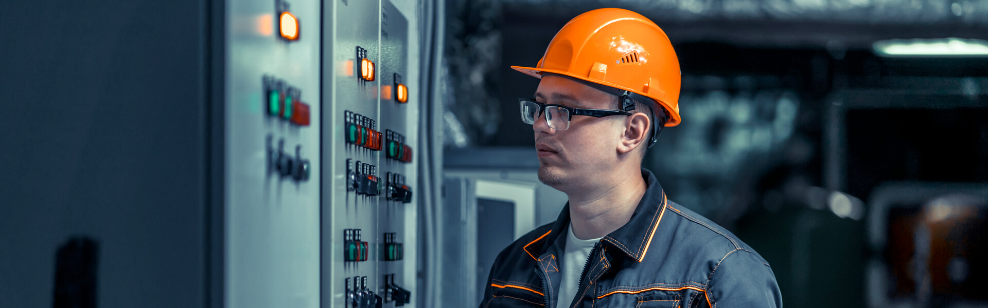 End to end seamless connectivity and intelligence in field service operations